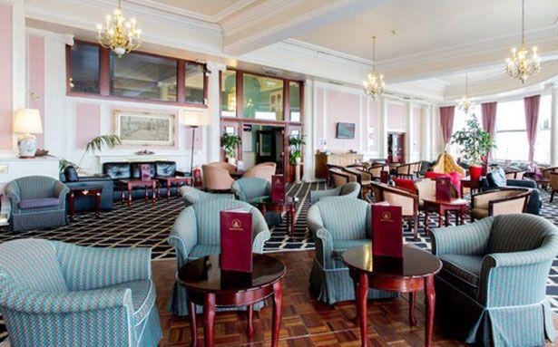 Royal-Albion foyer