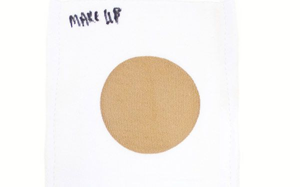 Make-up stain for a laundry detergent test
