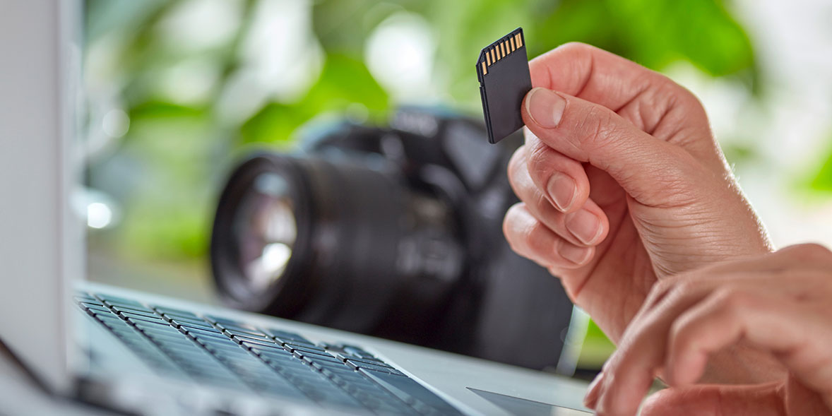 Using a laptop with an SD card from a camera