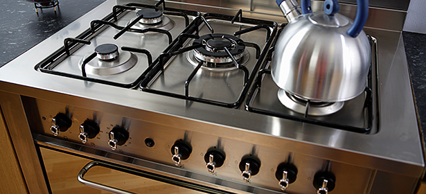 Range cooker with kettle used