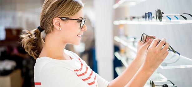 Shopping for glasses 3 484365