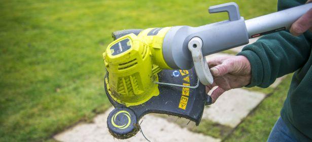 Setting up a grass trimmer
