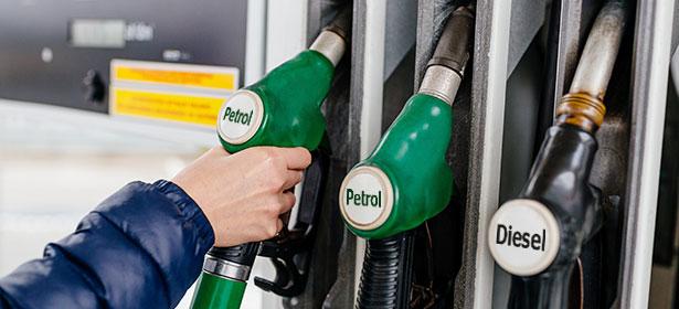 Petrol and diesel fuel pump
