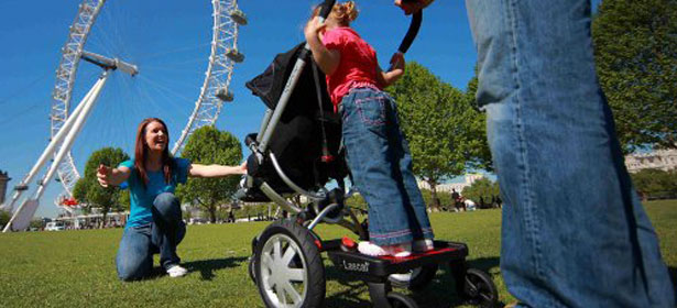 Pushchair with a buggy board