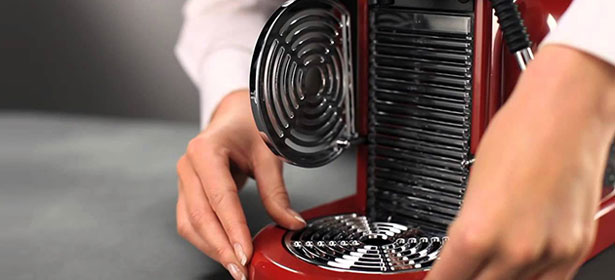 Cleaning a coffee machine
