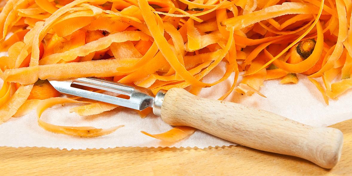Carrot peelings with peeler