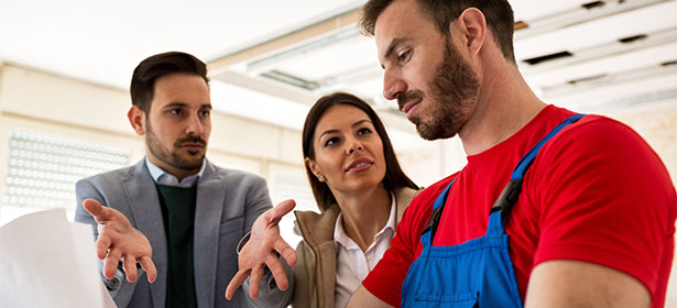 Couple arguing with tradesman 476864