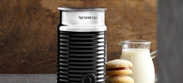 Aeroccino milk frothing machine