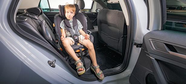 Swivel child car seat sideways
