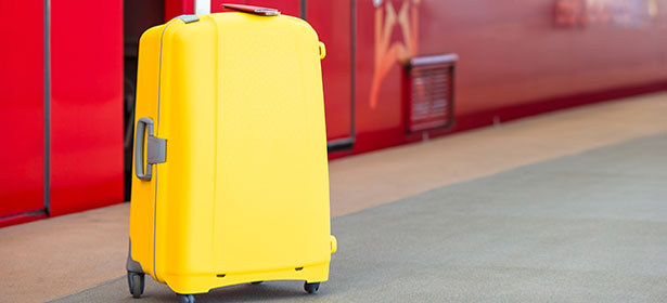 Choosing and buying the best luggage_hard 440356
