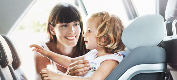 I-size child car sear concord-reverso with mother and girl