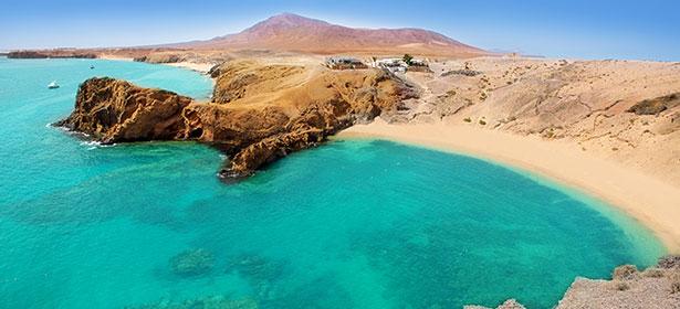 Lanzarote papagayo turquoise beach and ajaches 471968